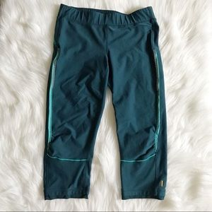 LUCY Teal Crop Capri Leggings SZ M
